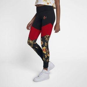 Nike Sportswear Essential Floral Printed Leggings